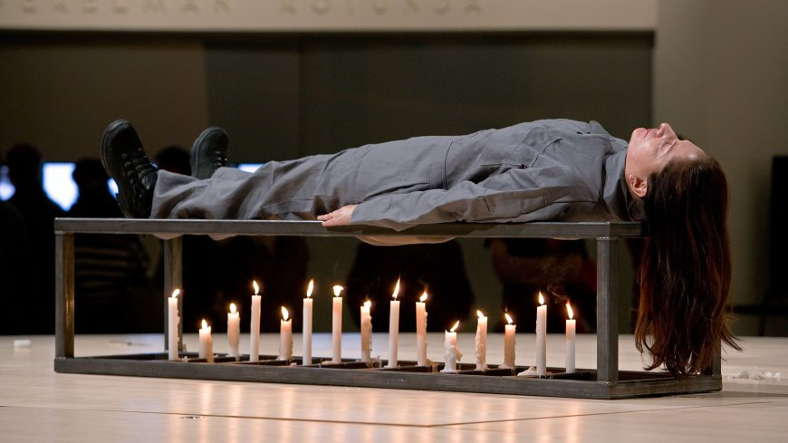 2005-Seven Easy Pieces - Marina Abramovich